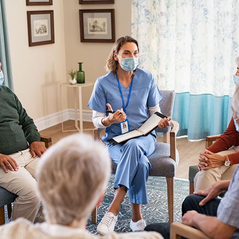 介護士に襲いかかるコロナストレス